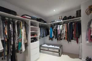 Begehbarer kleiderschrank plötzlich prinzessin  Von Kleiderschrank bis Einkleidezimmer - Einkaufsmarktplatz