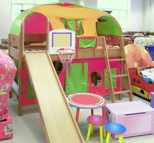 kinderhochbett mit rutsche einkaufsmarktplatz. Black Bedroom Furniture Sets. Home Design Ideas